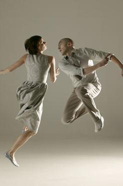 7d Dancing in the air