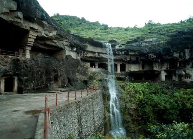 33e Meghalaya Waterfall