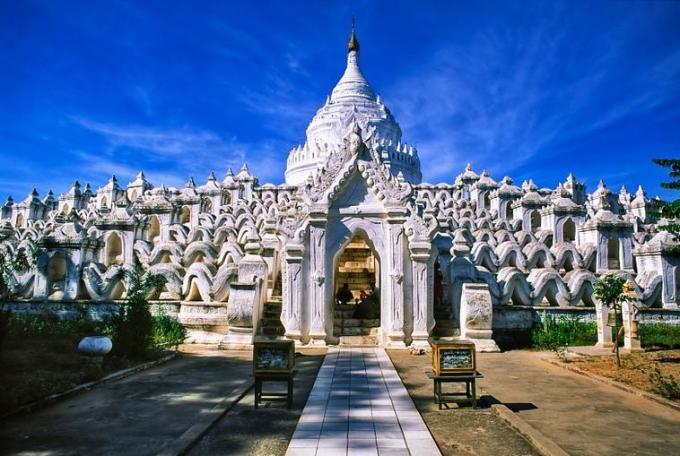 33l Burma temple