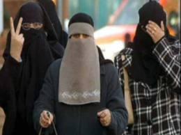 men wearing borkha-3