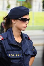 woman police2