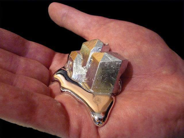 1a Gallium melting in hand