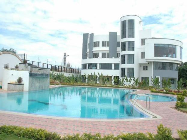 44 Swimming Pool Green