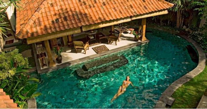 46 Swimming Pool Green