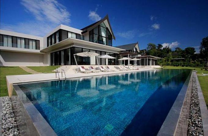 53 Swimming Pool blue