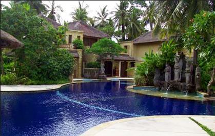 72 Swimming Pool deep blue