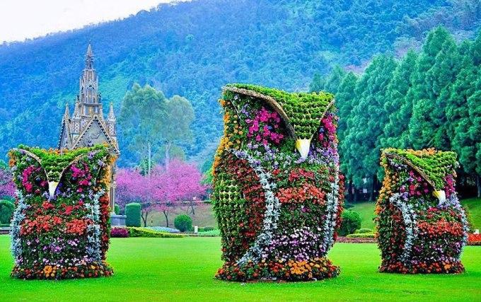 Flower sculpture owl