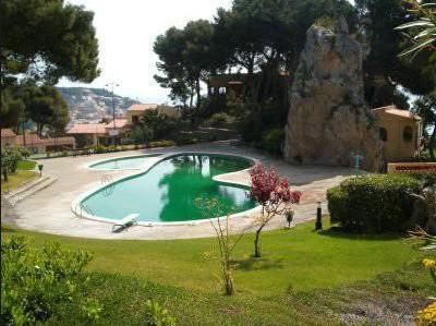 107 Swimming Pool Green
