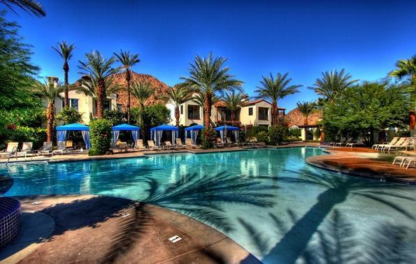 96 Swimming Pool blue