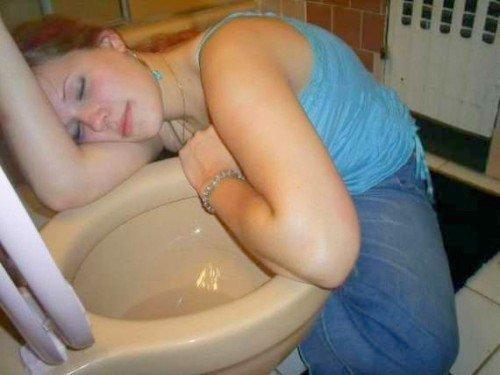 10i sleeping on the pan