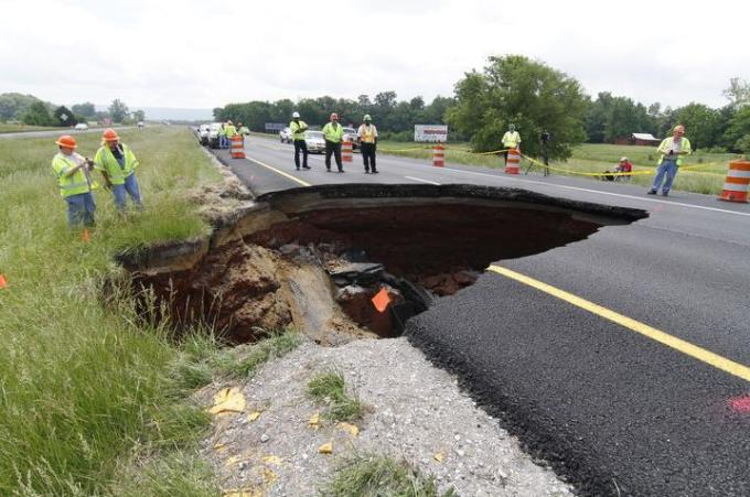 8f Sinkhole in the road