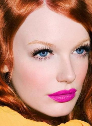 Blue eyes Pink lipstick
