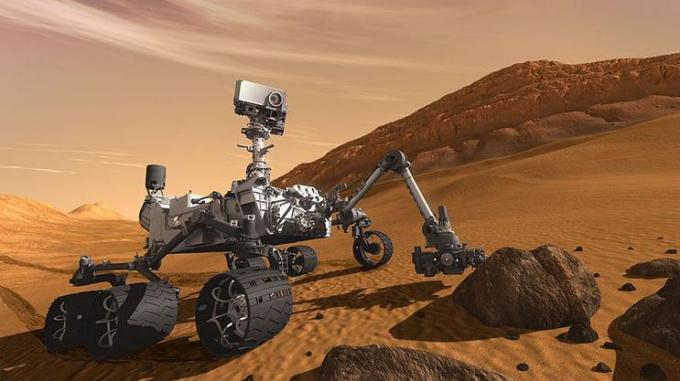 17 Robot studying dust in alien