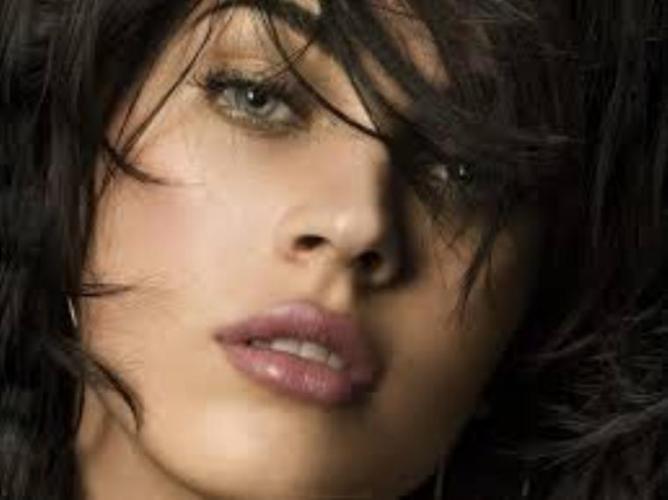 12 Beautiful pink lips