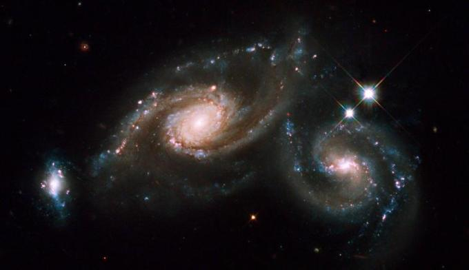 2d Spiral galaxies colliding