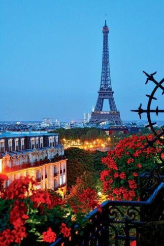 Eiffel Tower Romantic and beautiful Paris, France