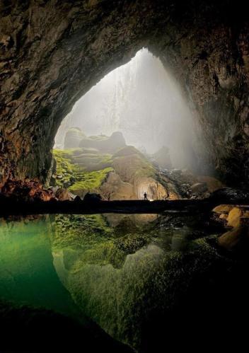 Infinite Cave, Vietnam
