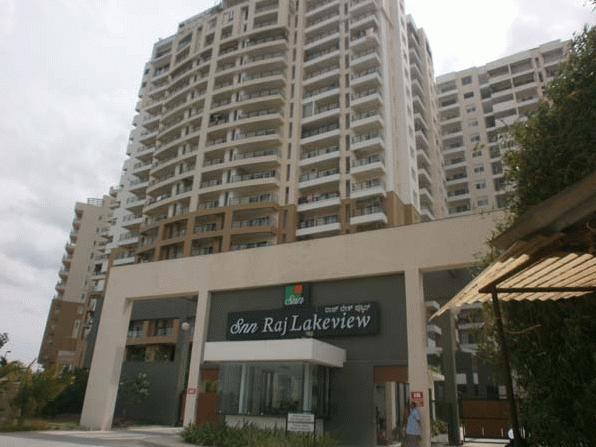 10 Raj Lakeview Apartments