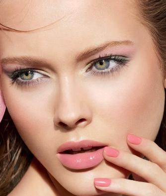 3 Pink eye lips makeup