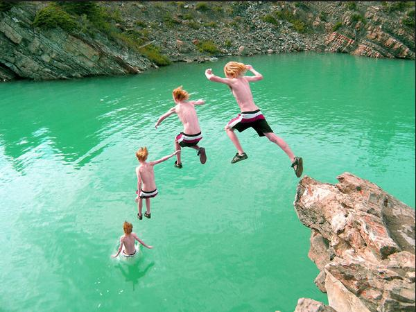 4 Jumping into the green water parabola