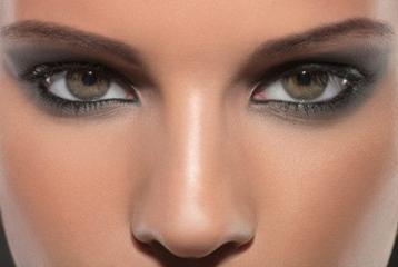4 Nose makeup