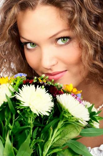 5 Green eyed woman with flowers