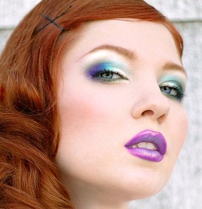 5 violet lips eye blue makeup
