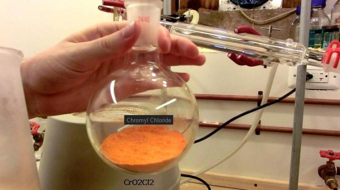 10 CrO2Cl2 Chromyl Chloride