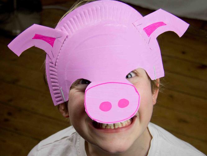 1b Boy with pig mask