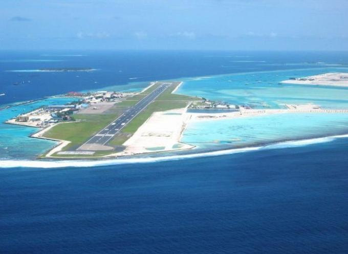 27b joler moddhe runway
