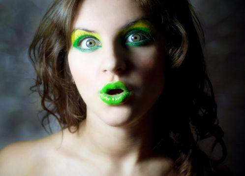 30a Green makeup