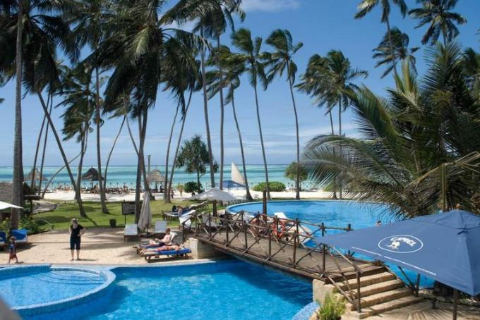 32d Tanzania Hotel