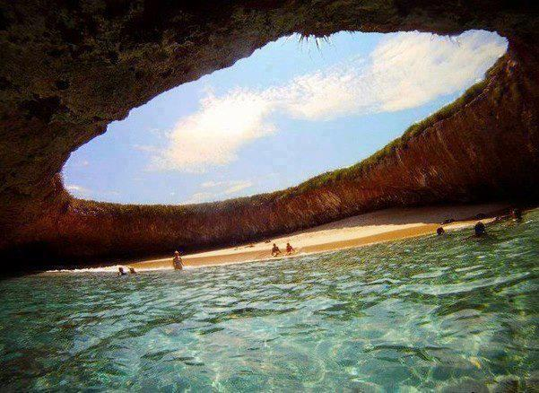 11b Hidden Beach Mexico