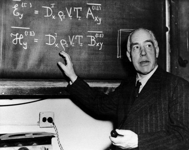22 Neils Bohr teaching