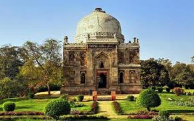 31t Ornate Tomb Lodi gardens